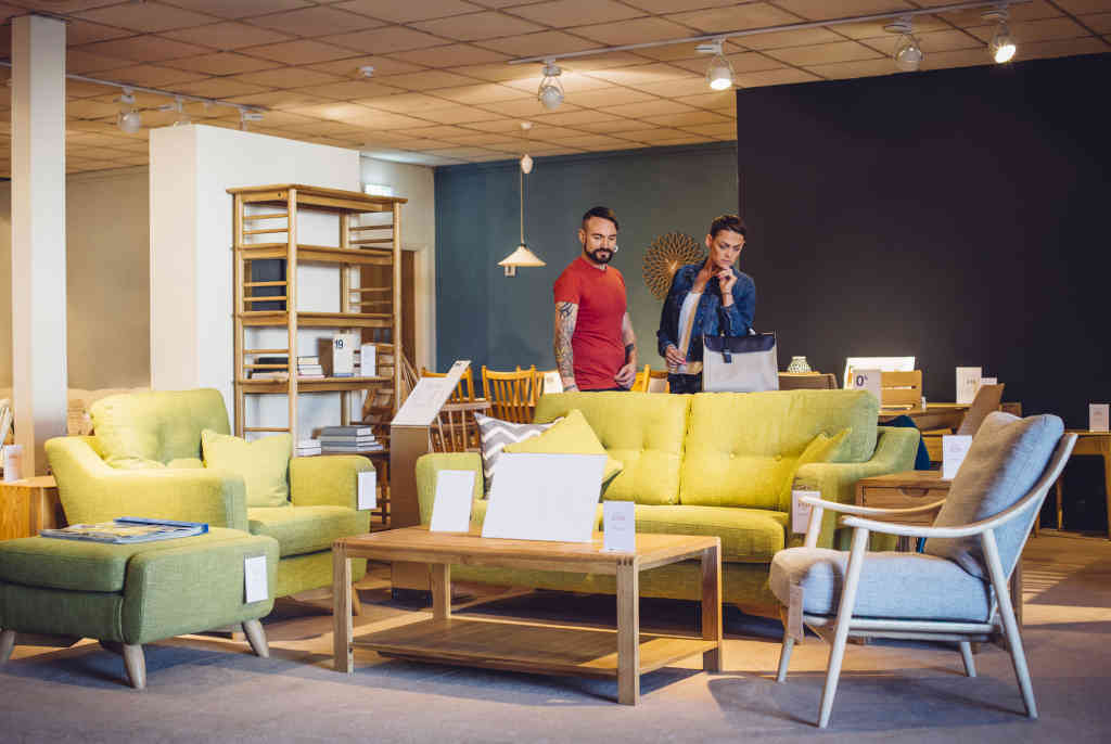 Should I Consider Furniture Stores Near Me to Buy Modern Furniture?